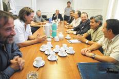 http://www.pagina12.com.ar/fotos/20090429/notas/na11fo02.jpg