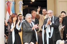 Mujica y Lugo homenajearon a Nestor Kirchner