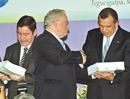 http://www.pagina12.com.ar/fotos/20110708/notas/na23fo01.jpg