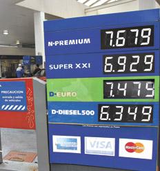 Por Decreto del Presidente Macri la nafta bajaría hasta un 35%