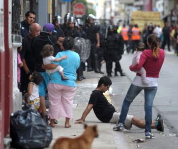 Página/12 :: Ultimas Noticias :: Desalojo en San Telmo