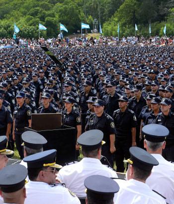 P gina 12 ultimas noticias diez mil polic as m s for Paginas de espectaculos argentina