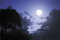 Mañana Chocan Júpiter y la Luna