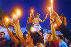/fotos/las12/20050107/notas_12/homenaje.jpg