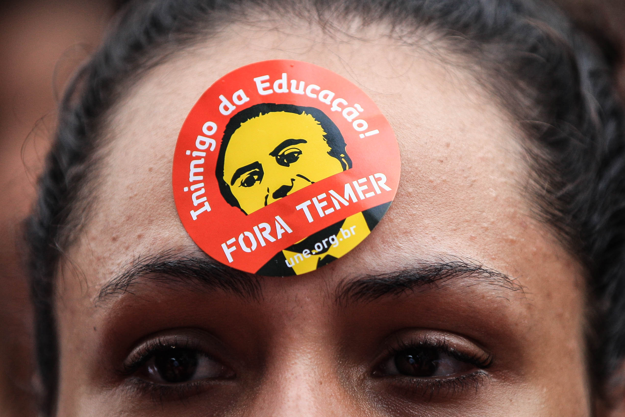 """Organizaciones de mujeres, juvenilesy centrales sindicales se movilizaron bajo la consigna """"Ocupar Brasília"""". (Fuente: EFE)"""