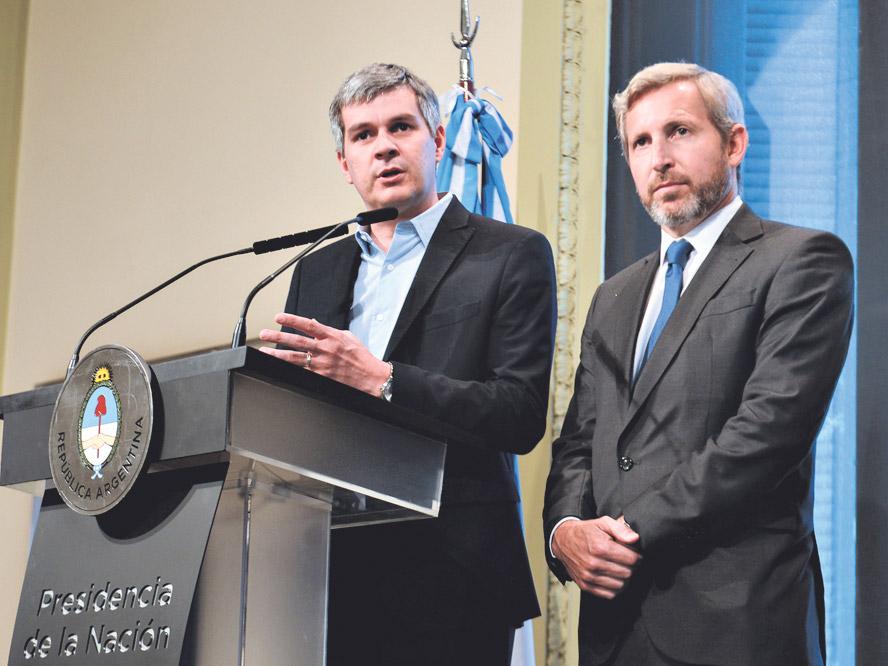 El jefe de Gabinete, Marcos Peña, ofreció una rueda de prensa con el ministro Rogelio Frigerio. (Fuente: DyN)